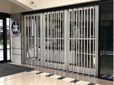FC200 panel folding closure doors