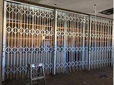 ATDC's bifold door maximises retail frontage for Sydney jewellery store