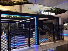 Approximately 40 lineal metres of expandable barriers for hire currently being used by Samsung at Westfield Parramatta in Sydney to secure their temporary pop-store