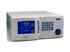 Low pressure digital pressure calibrator