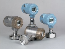 Pressure transmitters with hygienic fittings