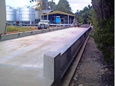Concrete deck weighbridges