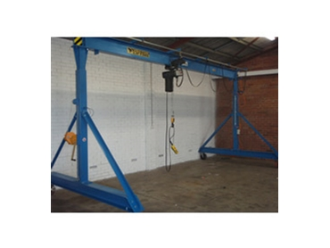 Lifting cranes for any environment