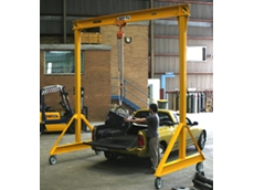 Mobile gantry crane available from Vector Lifting