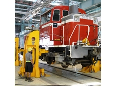 Heavy duty railway jacks and train jacks from Vector Lifting