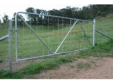 Fitting assembly for farm gates