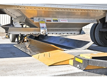 Easy truck and trailer positioning with drive over deck