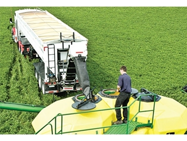 Remote controlled positioning for accurate unloading